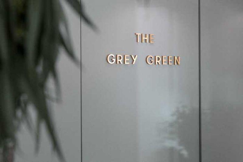 The Grey Green希望即使生活在都市中,消費者也能透過細心照料的植物感受大自然的溫厚力量,並藉由觀察花瓣枝葉的起伏、嗅聞不同花卉散發的獨特香氣,添增生活的單純美好與平靜。
