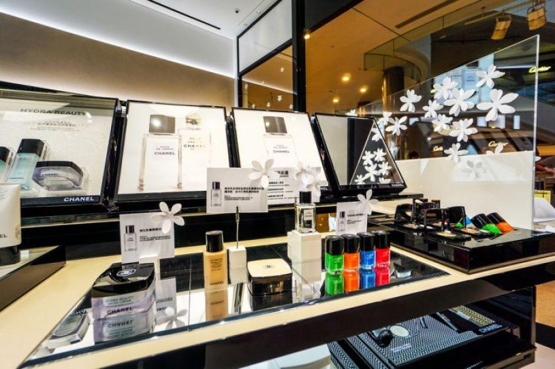 Chanel 台北101化妝品精品店 店內陳列