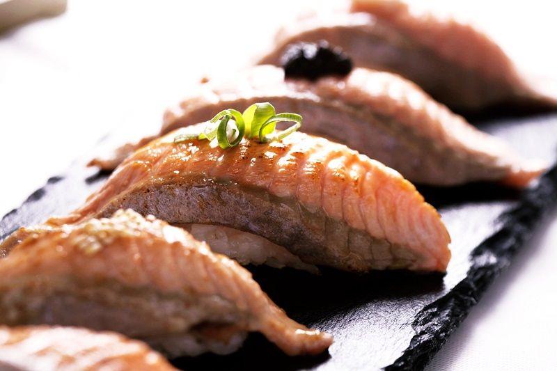 火焰鮭魚握壽司