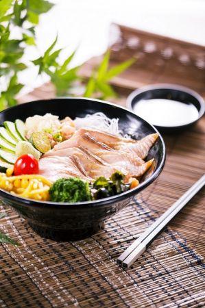 炙燒松阪鮭魚丼飯