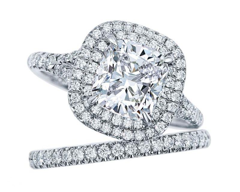 Tiffany Soleste 鉑金枕形切割鑽石戒指與戒環 價格店洽