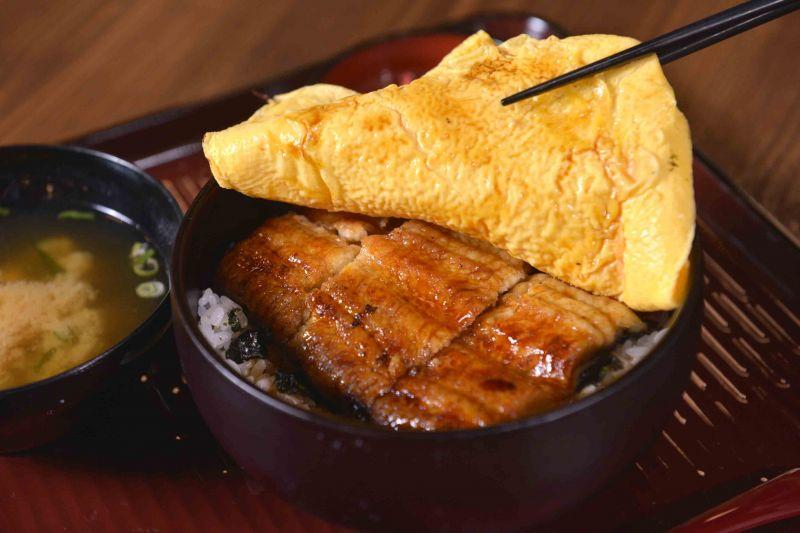 夢幻玉子燒鰻丼/330 元