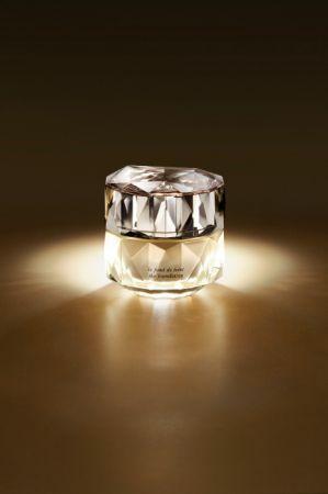 肌膚之鑰 精質光采粉底乳霜(共7色)27ml,NT9,500(9.1上市)
