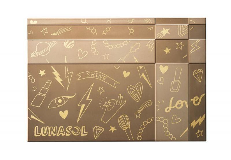 LUNASOL 晶巧粉餅盒(WALNUT聯名款),NT550