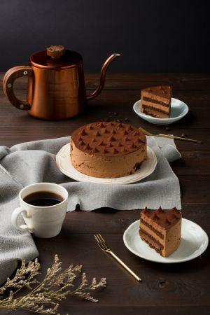 星巴克 4吋咖啡巧克力松露蛋糕 NT$380