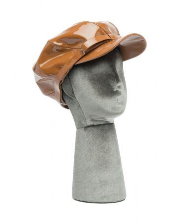 繫带釦環報童帽,Miu Miu。