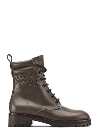 小牛皮短靴,Bottega Veneta,NT35,100。