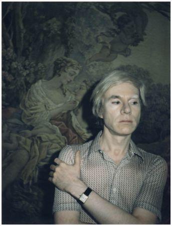 安迪‧沃荷(ANDY WARHOL)- 1975年美國著名畫家、普普藝術傳奇人物、紐約名流安迪‧沃荷擁有獨樹一幟的才華,他佩戴TANK腕錶時從不為其上鍊。他曾在一次採訪中坦承:「我佩戴TANK腕錶,不是為了查看時間……」© The Andy Warhol Foundation for the Visual Arts, Inc.