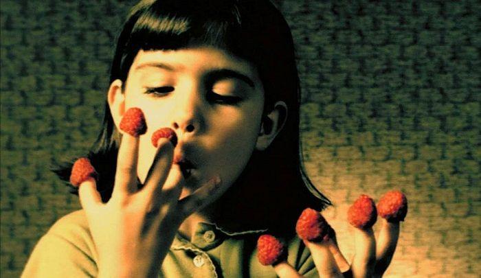 經典的吃覆盆莓場面