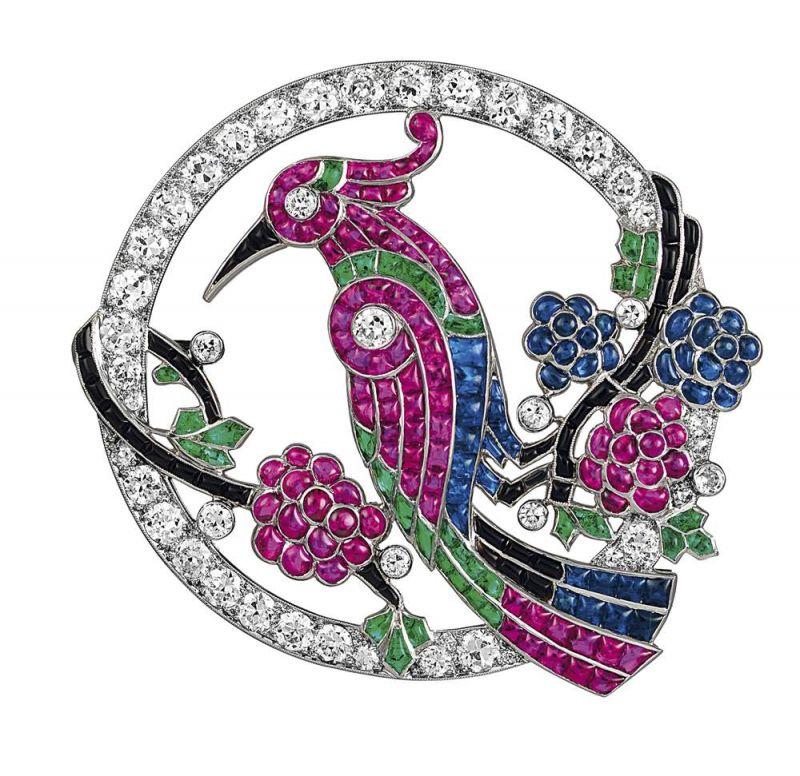 1920年代_Bird別針_1924年_鉑金,祖母綠,藍寶石,紅寶石,縞瑪瑙,鑽石