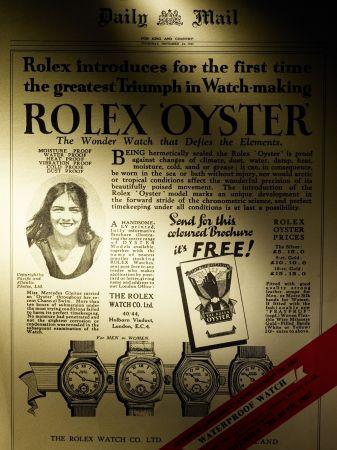 《每日郵報》於1927年報導 Mercedes Gleitze 與蠔式腕錶泳渡英倫海峽