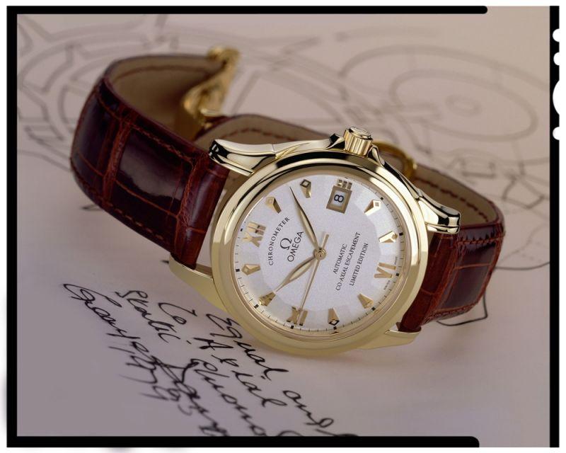 Omega 第一只搭載同軸機芯的 De Ville 碟飛腕錶