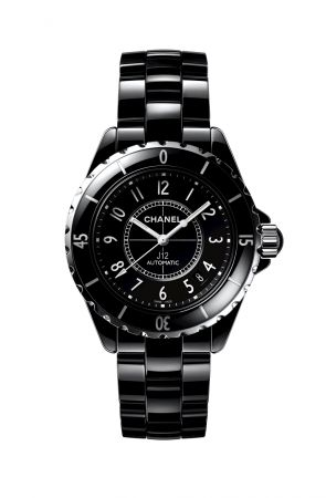 Chanel 在2000年發表的J12腕錶