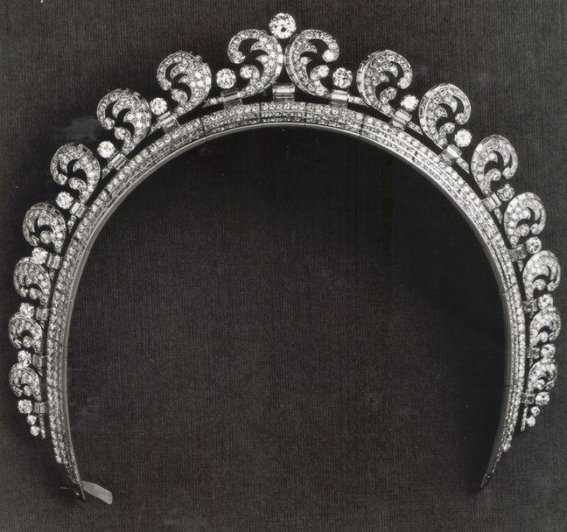光環冠冕,Cartier。