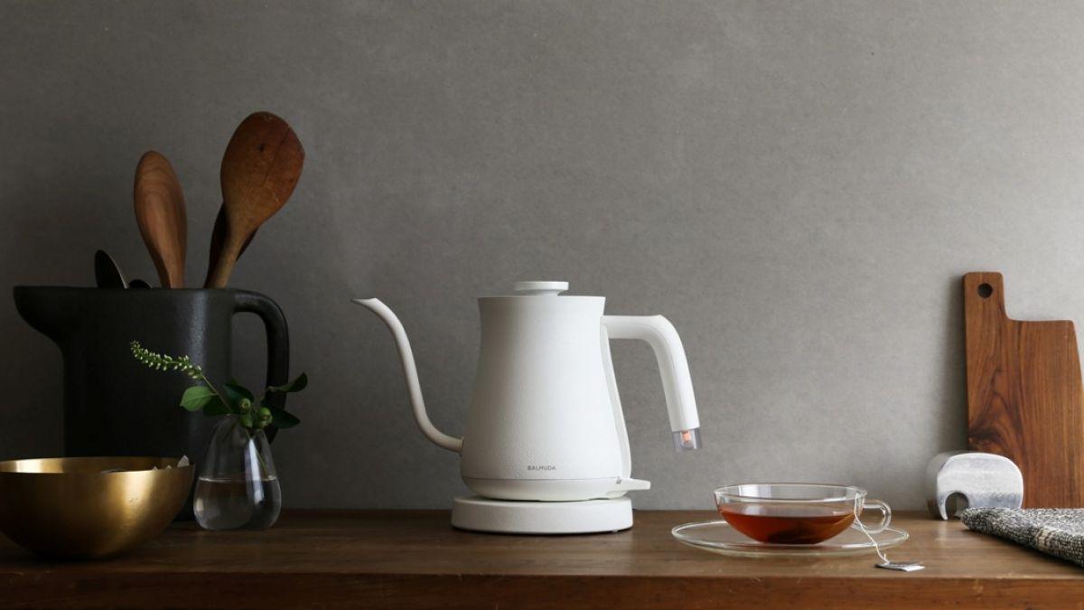 咖啡控話題盛事 日系神級家電 BALMUDA The Pot手沖壺改寫注水風格新定義