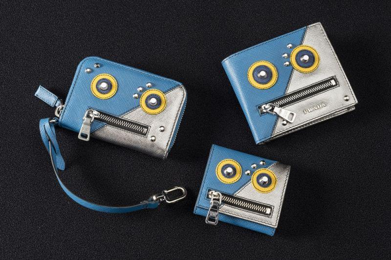 Prada 機器人零錢包(左)$17,000(中)$11,500 (右)$17,000