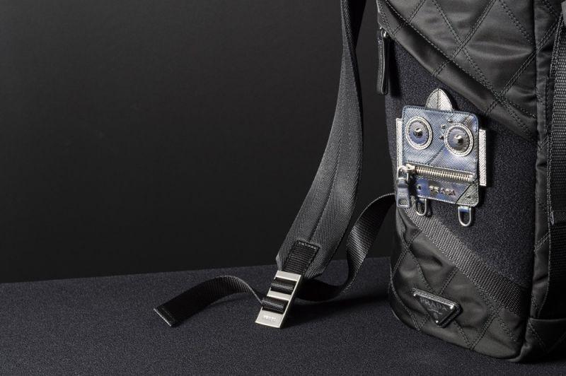 Prada皮革造型徽章貼片 機器人$4,000