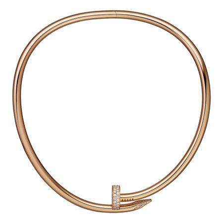 Juste un Clou玫瑰金鑲鑽短項鍊,大型款玫瑰K金,頂部和尾端鋪鑲鑽石參考價格約NT$ 2,870,000