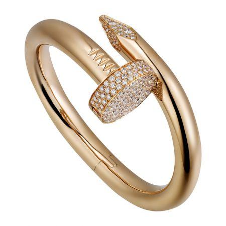 Juste un Clou玫瑰金鑲鑽手環,大型款玫瑰K金,頂部和尾端鋪鑲鑽石參考價格約NT$ 2,680,000