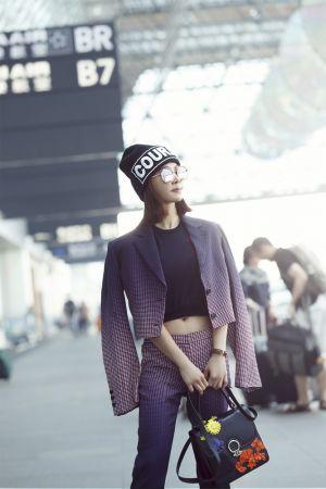 亞洲流行天后蔡依林受邀前往米蘭時裝週 獨家出席 Versace 2018 春夏女裝秀