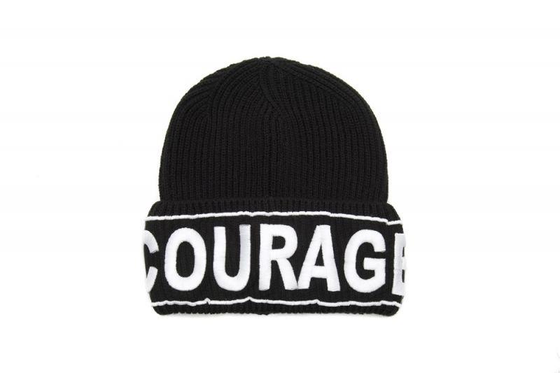 Versace 黑白字母裝飾毛帽, $10,000