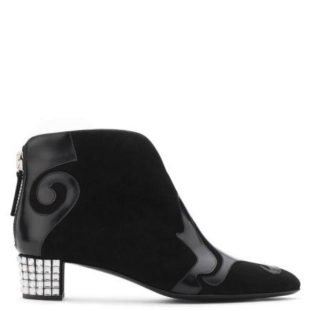 拼接皮革造型踝靴,Giuseppe Zanotti,NT34,800。