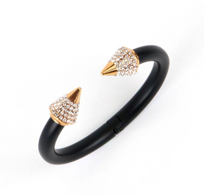 黑色霧面五排鑽手環,Vita Fede,NT15,000。