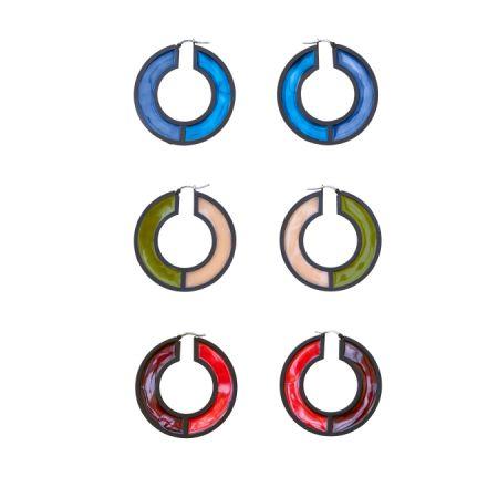 雙色圓圈陶瓷耳環,CÉLINE,NT21,000。