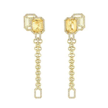 """My Chain""耳環以18K黃金鑲嵌兩顆總重17.5克拉祖母綠式切割髮晶及180顆明亮式切割鑽石。建議售價NTD810,000元"