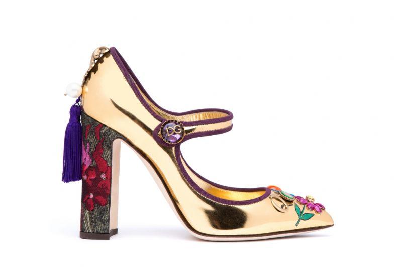 刺繡流蘇花朵裝飾高跟鞋,Dolce&Gabbana。