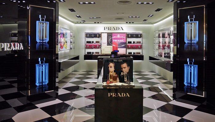 PRADA亞洲第一間香氛旗艦店開在台北忠孝SOGO百貨二樓。