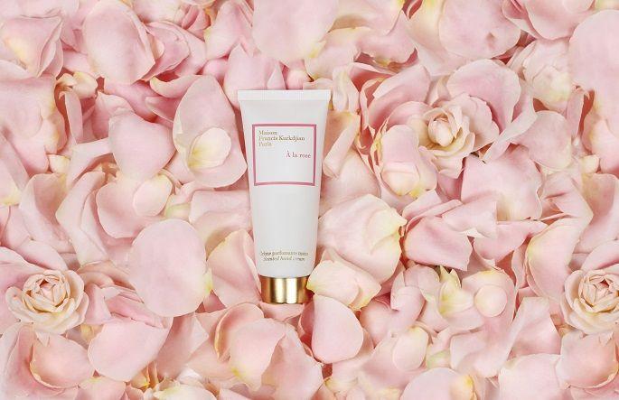 MFK推出À la rose愛戀玫瑰、Aqua Universalis永恆之水兩款頂級香氛護手霜。
