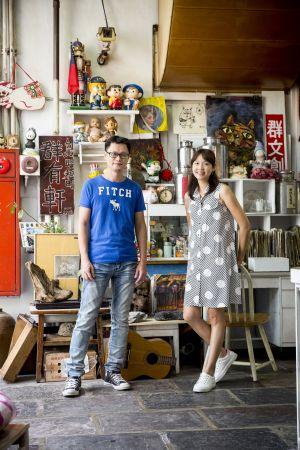 林欣誼和曾國祥,帶著二歲兒子Uni環島尋訪老雜貨店,順道採集風土人情