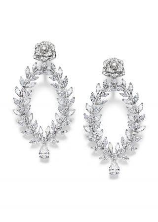 Limelight Rose Passion 高級珠寶耳環18K白金鑲嵌2顆梨形切割鑽石(各約1.51克拉)72顆馬眼形切割鑽石(約12.00克拉)及214顆圓形美鑽(約6.71克拉)G38LS500台幣參考價格 9,150,000元