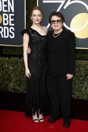 Emma Stone艾瑪史東以路易威登高級珠寶為出席第75屆金球獎頒獎典禮的紅毯行頭