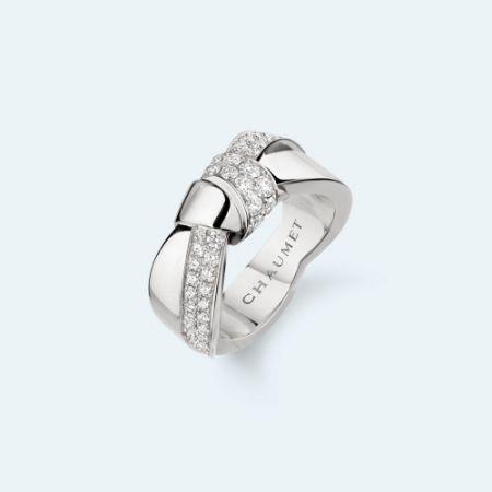 Liens Séduction 18K白金戒指,建議售價NT331,000。