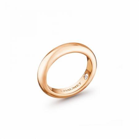 Classique Les Eternelles de Chaumet 4mm 玫瑰金戒指,建議售價NT46,000。