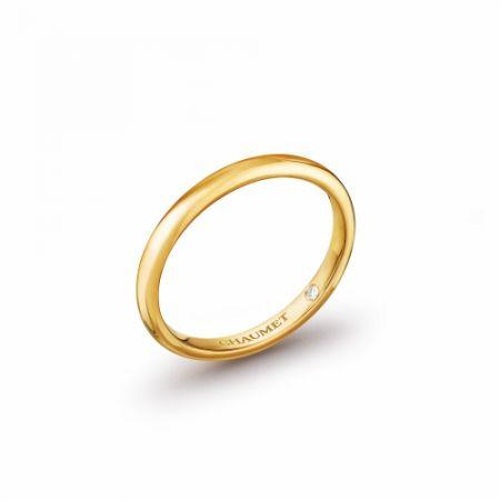 Classique Les Eternelles de Chaumet 2mm 黃金戒指,建議售價NT19,000。