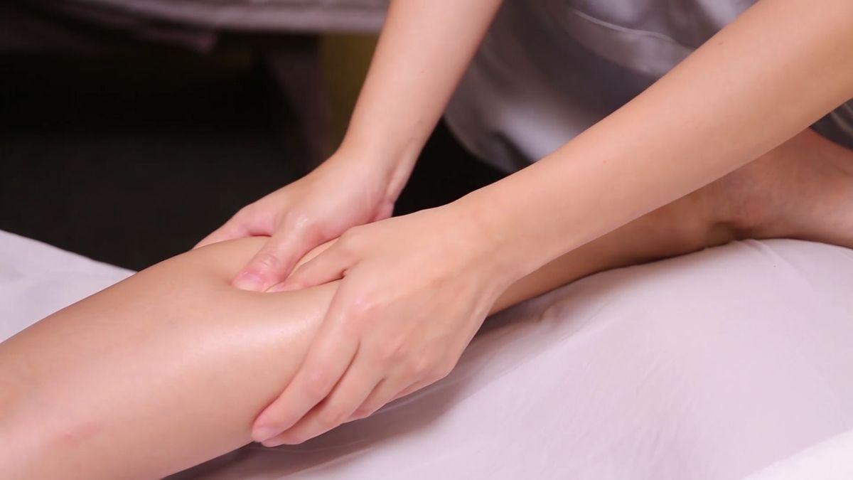 按完雙腿看起來瘦一圈,還很輕盈!隱舍精油覺醒SPA腿部療程,讓浮腫、僵硬、冰冷症頭遠離美腿