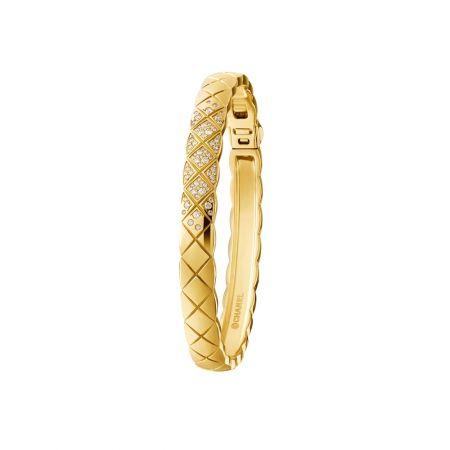 """""""COCO CRUSH """"手環18K黃金鑲嵌81顆明亮式切割鑽石。建議售價NTD 301,000元"""