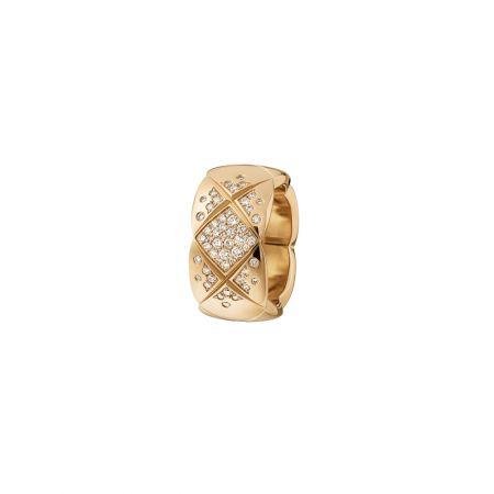"""""""COCO CRUSH """"戒指_中型款18K Beige米色金鑲嵌鑽石。建議售價NTD227,000元"""
