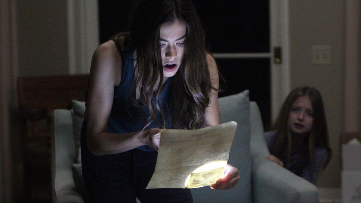 「姊姊,床上那個不是我…」恐怖電影《怨弒屋》挑戰夏日最驚悚,你的心臟夠大顆嗎?