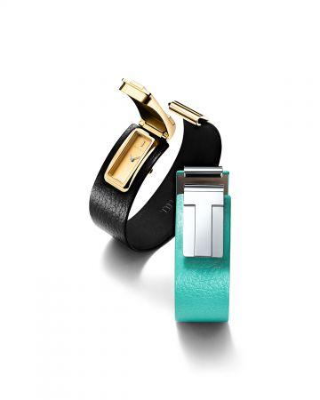 【2018年新款】Tiffany T 系列腕錶 (左) Tiffany T 系列18K金黑色皮革腕錶 NT$293,000,(右) Tiffany T 系列純銀Tiffany Blue 皮革腕錶 NT$101,000