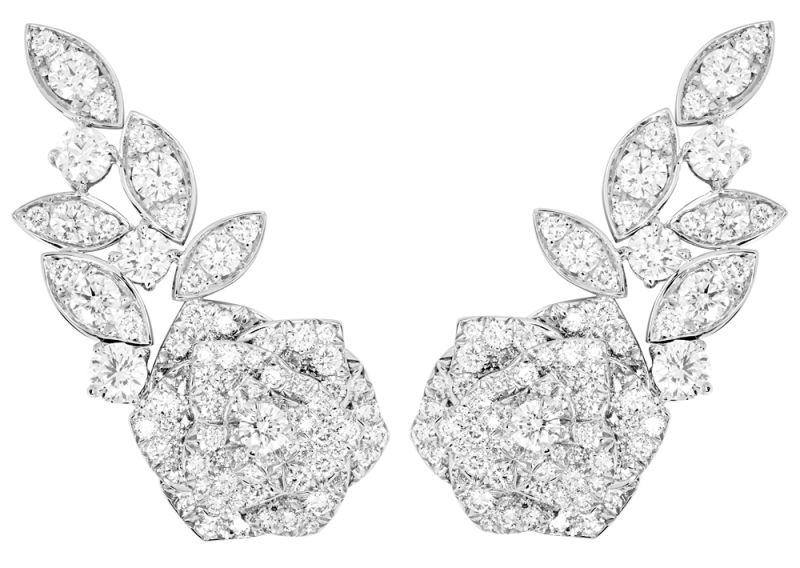 2018年新款Piaget Rose耳環18K白金鑲嵌208顆圓形美鑽 (約4.32克拉)G38U0076台幣參考價格965000