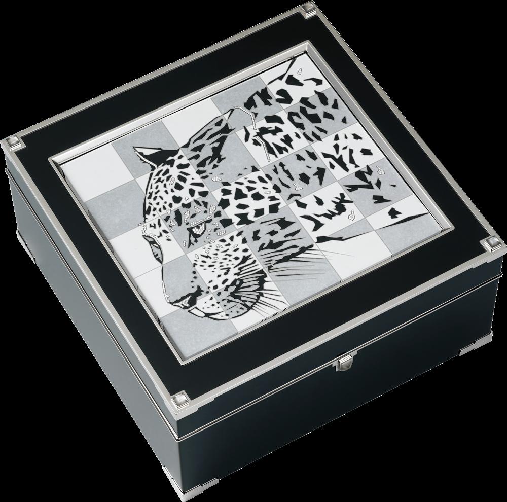 卡地亞美洲豹頂級珠寶系列珠寶盒白K金,黑色真漆,鑽石,月光石,尺寸約22.5 x 22.4 x 10.5 cm,參考價格約NT$ 14,000,000