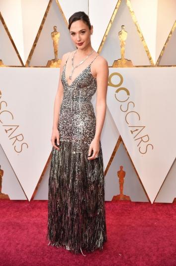 Gal Gadot 蓋兒加朵佩戴Tiffany & Co. 2018 Blue Book 高級珠寶作品現身第90屆奧斯卡金像獎頒獎典禮紅毯