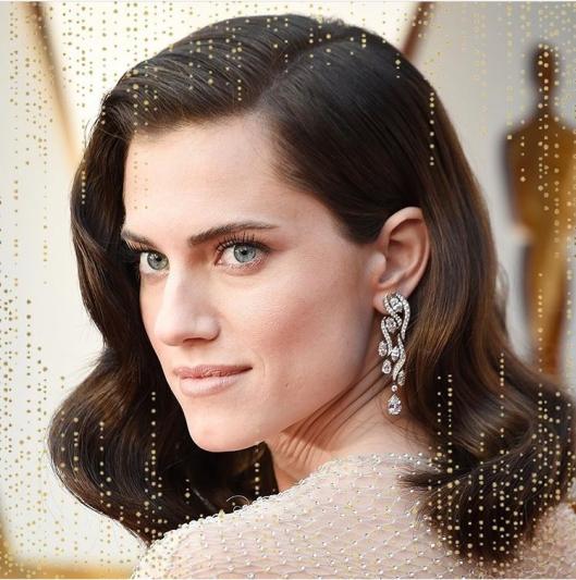 以《逃出絕命鎮》入圍的Allison Williams穿戴Harry Winston珠寶