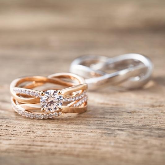 DE BEERS Infinity 鉑金鑽石戒指_NT$ 308,000起