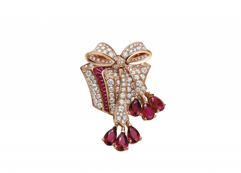 BVLGARI FESTA童年慶典系列The Gift 禮物造型頂級紅寶與鑽石胸針(263772)