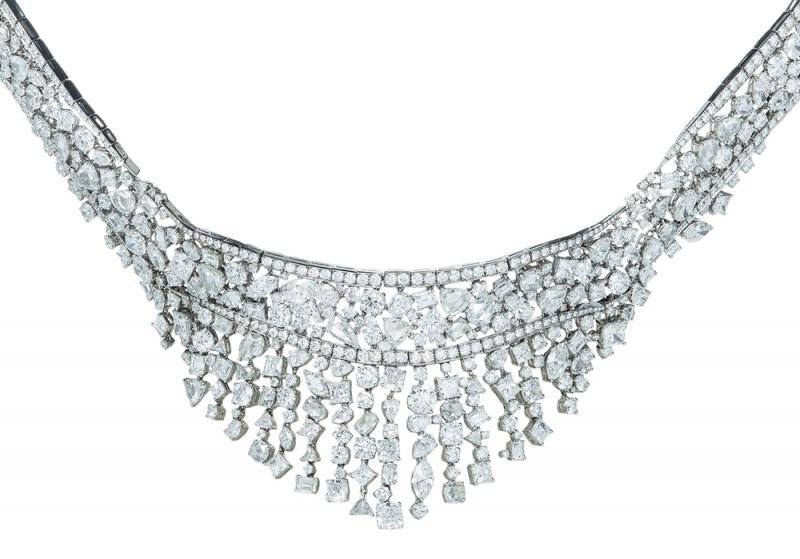 Tiffany 混合式切割鑽石頸鍊NT$40,840,000